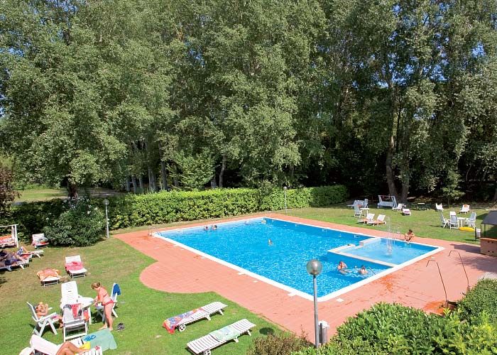 Piscina-Hotel-Marilu-Eraclea-01b